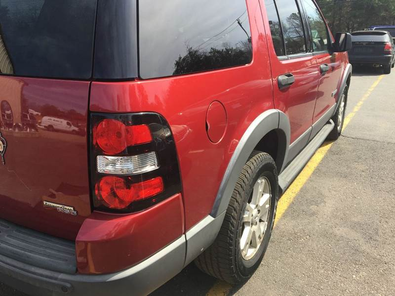 2006 Ford Explorer for sale at Central Jersey Auto Trading in Jackson NJ