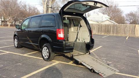 2008 Chrysler Town And Country 110267 Miles 10900