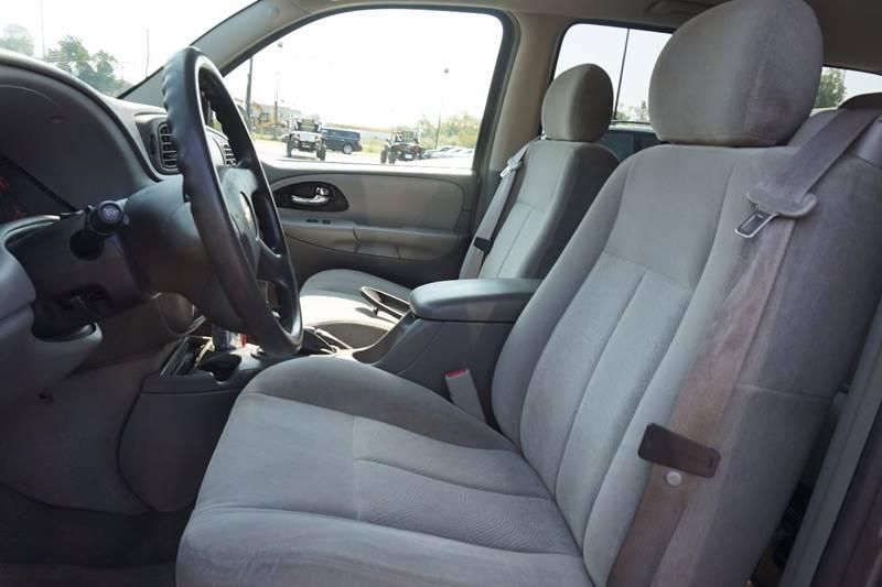 2005 Chevrolet TrailBlazer LS 4WD 4dr SUV - Lewiston ME