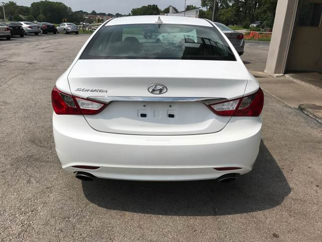 2012 Hyundai Sonata SE 4dr Sedan 6A - Lee's Summit MO