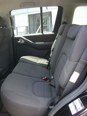 2007 Nissan Pathfinder S 4WD 3rd row seating - Philadelphia PA