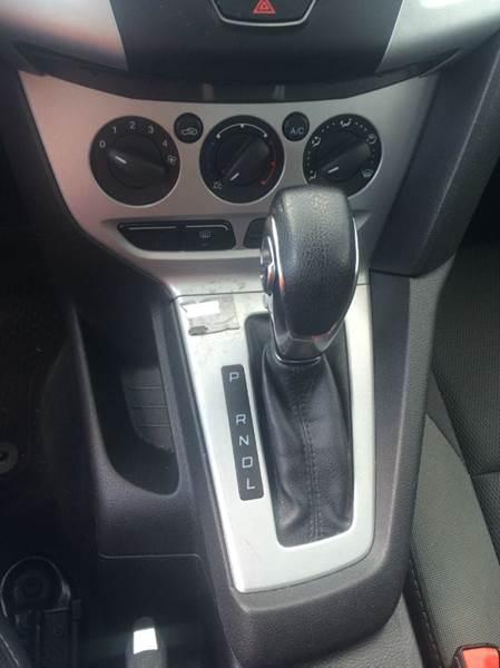 2013 Ford Focus SE 4dr Sedan - Philadelphia PA