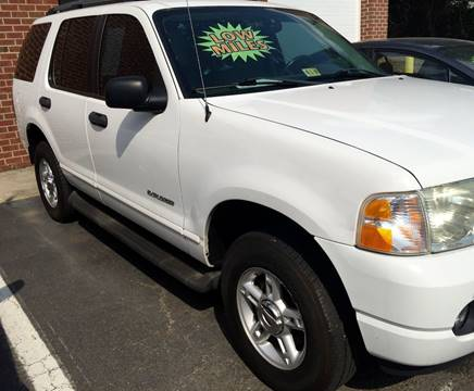 2004 Ford Explorer for sale at Used Cars of Fairfax LLC in Woodbridge VA
