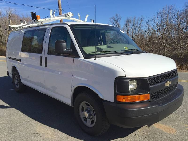 2007 Chevrolet Express Cargo for sale at Used Cars of Fairfax LLC in Woodbridge VA