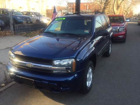 2002 Chevrolet TrailBlazer for sale at DEALS ON WHEELS in Newark NJ