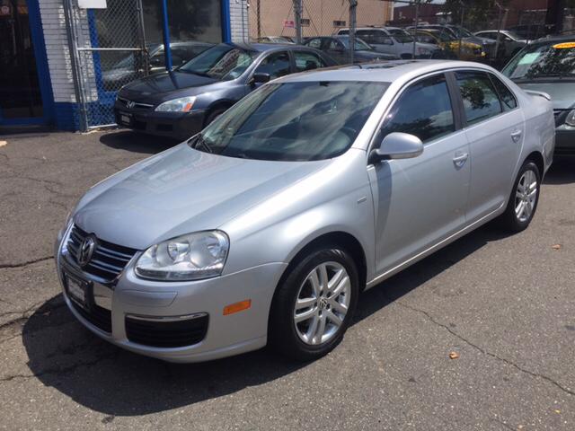 2007 Volkswagen Jetta for sale at DEALS ON WHEELS in Newark NJ