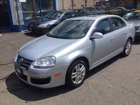 2007 Volkswagen Jetta for sale at DEALS ON WHEELS in Newark NJ