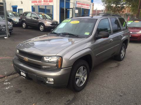 2005 Chevrolet TrailBlazer for sale at DEALS ON WHEELS in Newark NJ