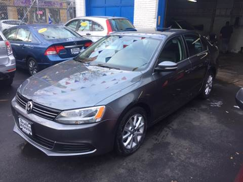 2013 Volkswagen Jetta for sale at DEALS ON WHEELS in Newark NJ
