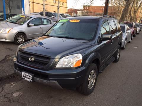 2005 Honda Pilot for sale at DEALS ON WHEELS in Newark NJ