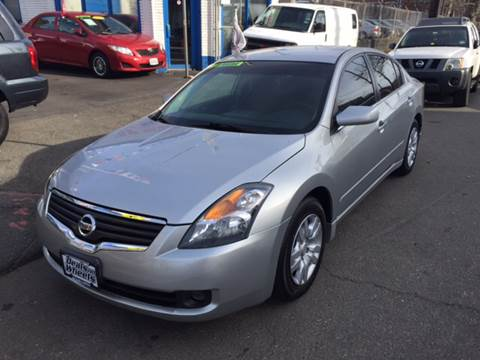 2009 Nissan Altima for sale at DEALS ON WHEELS in Newark NJ