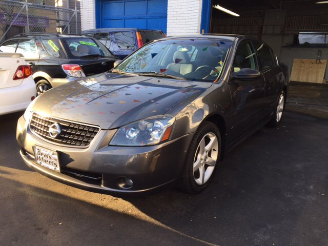 2006 Nissan Altima 3.5 SE 4dr Sedan W/Manual   Newark NJ