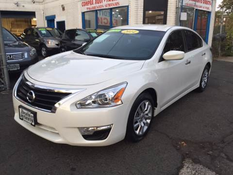 2014 Nissan Altima for sale at DEALS ON WHEELS in Newark NJ