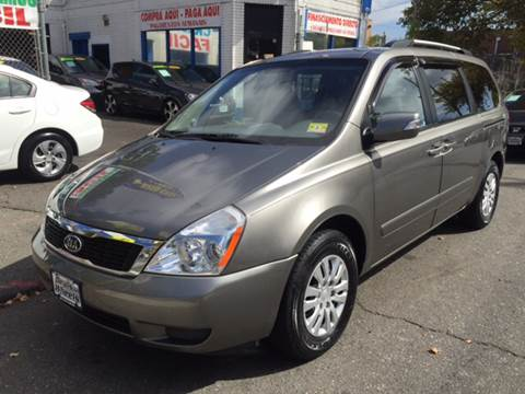2011 Kia Sedona for sale at DEALS ON WHEELS in Newark NJ