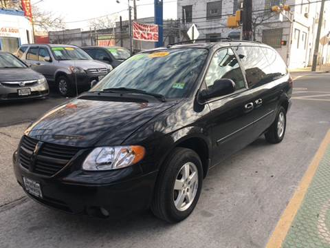 2006 Dodge Grand Caravan for sale at DEALS ON WHEELS in Newark NJ