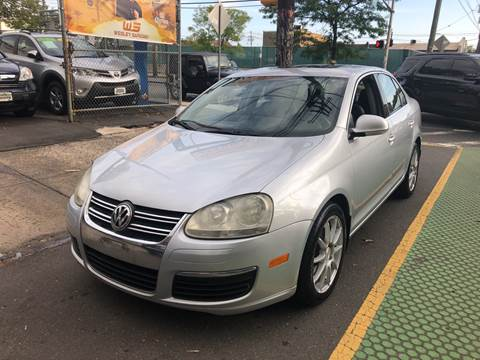 2006 Volkswagen Jetta for sale at DEALS ON WHEELS in Newark NJ