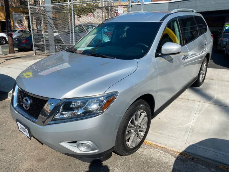 2013 Nissan Pathfinder for sale at DEALS ON WHEELS in Newark NJ