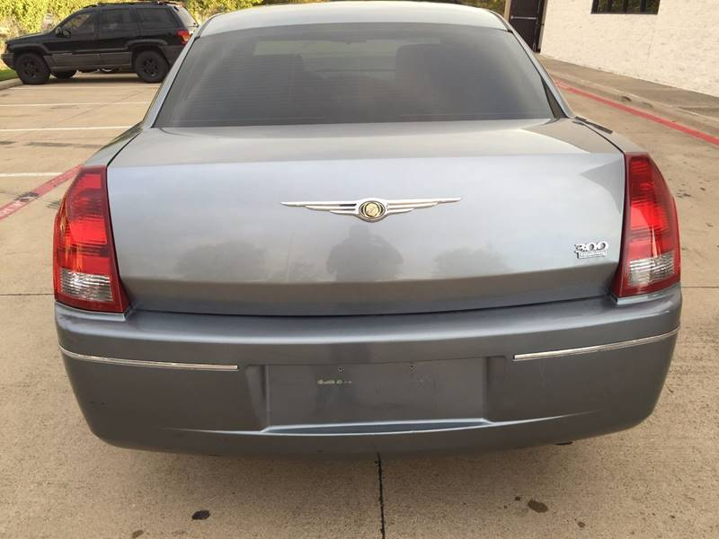 2006 Chrysler 300 for sale at Import Auto Sales in Arlington TX