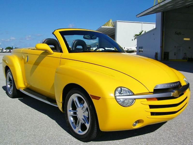 2004 Chevrolet SSR LS 2dr Regular Cab Convertible Rwd SB - Pompano Beach FL