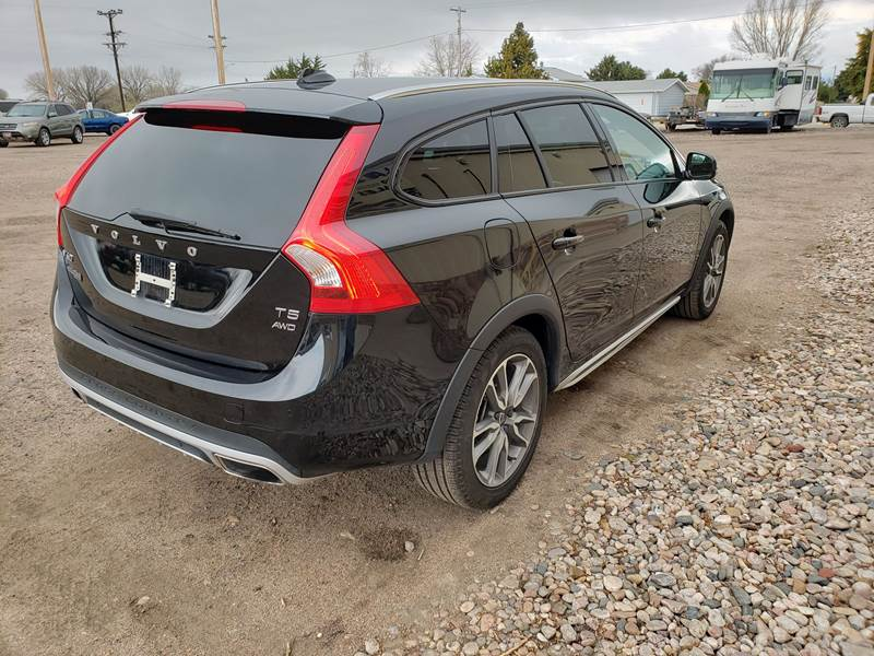 2018 Volvo V60 Cross Country AWD T5 Premier 4dr Wagon In
