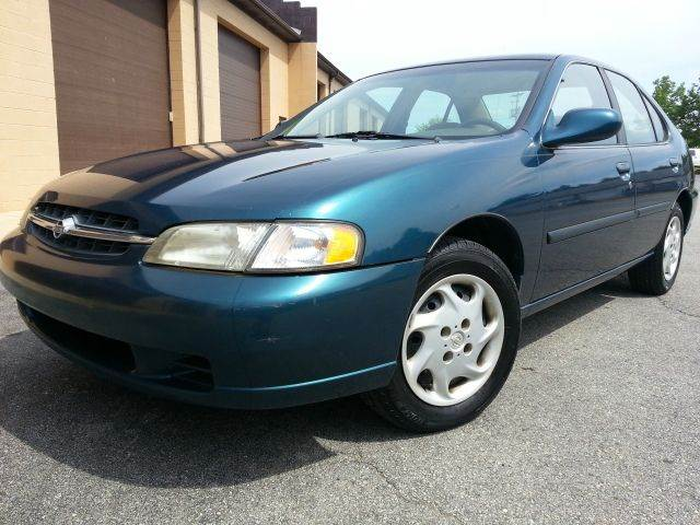1998 Nissan Altima GXE ONE OWNER CLEAN CARFAX   Aston PA