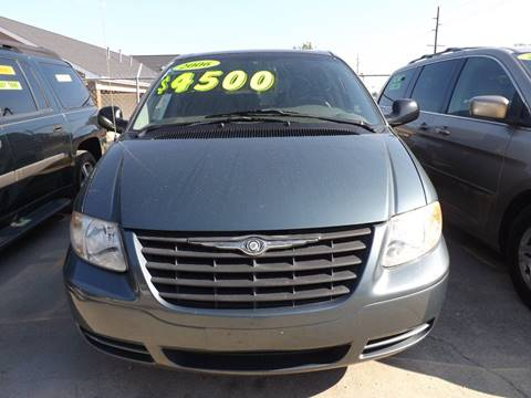 2006 Chrysler Town and Country for sale in Fayetteville, NC