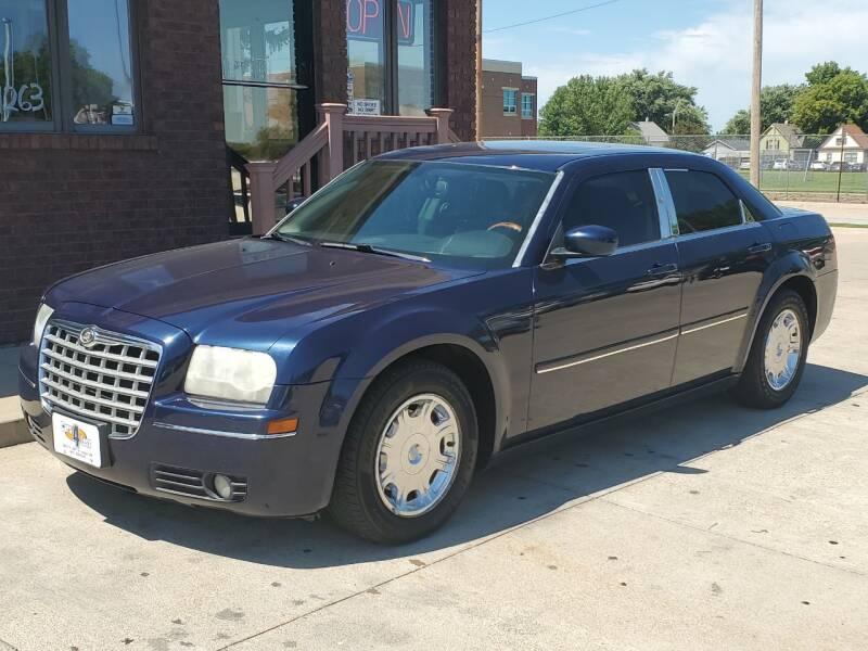 2005 Chrysler 300 Limited 4dr Sedan - Lincoln NE