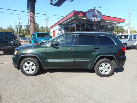 2011 Jeep Grand Cherokee for sale at The Carriage Company in Lancaster OH
