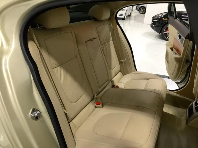 2009 Jaguar XF Luxury 4dr Sedan - Pompano Beach FL