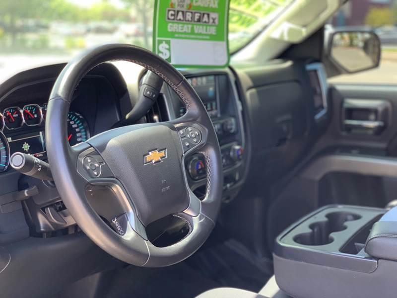 2017 Chevrolet Silverado 1500 4x2 LT 4dr Crew Cab 5 8 ft  SB