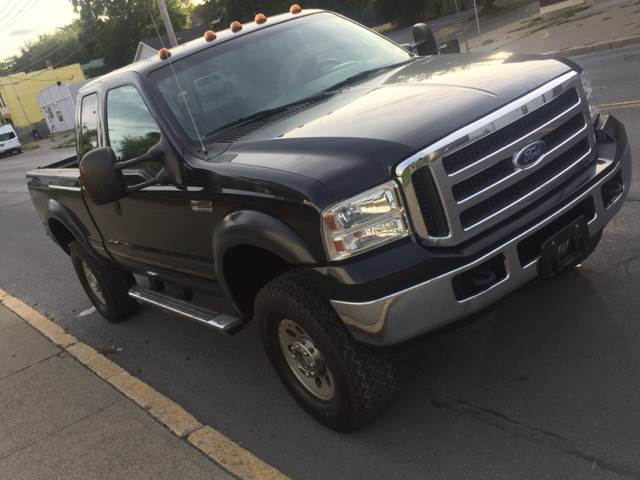 2005 Ford F-250 Super Duty 4dr SuperCab XLT 4WD SB - Albany NY
