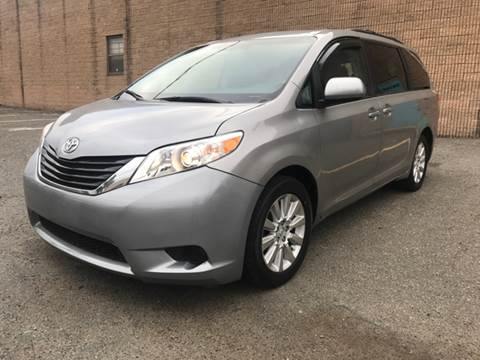2013 Toyota Sienna for sale in Paterson, NJ