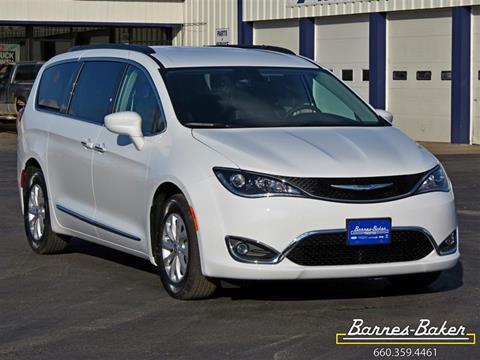 2017 Chrysler Pacifica for sale in Trenton, MO