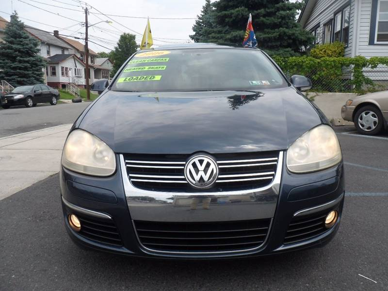 2006 Volkswagen Jetta 2.0T 4dr Sedan w/Automatic - Irvington NJ
