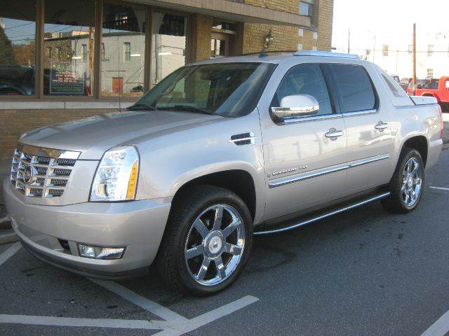 2007 Cadillac Escalade EXT for sale at B & J AUTO SALES in Morganton NC