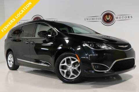 2017 Chrysler Pacifica for sale at Unlimited Motors in Fishers IN