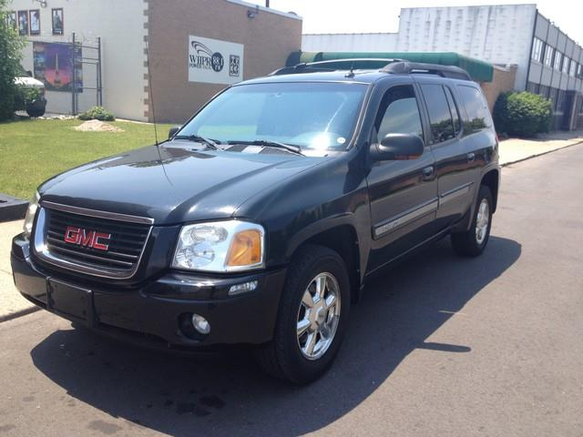 2004 gmc envoy xl sle 4wd 4dr suv in highland park mi. Black Bedroom Furniture Sets. Home Design Ideas