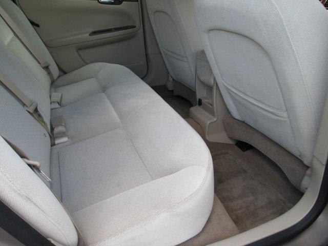 2006 Chevrolet Impala for sale at Rooster Bush Automotive in Lenoir NC