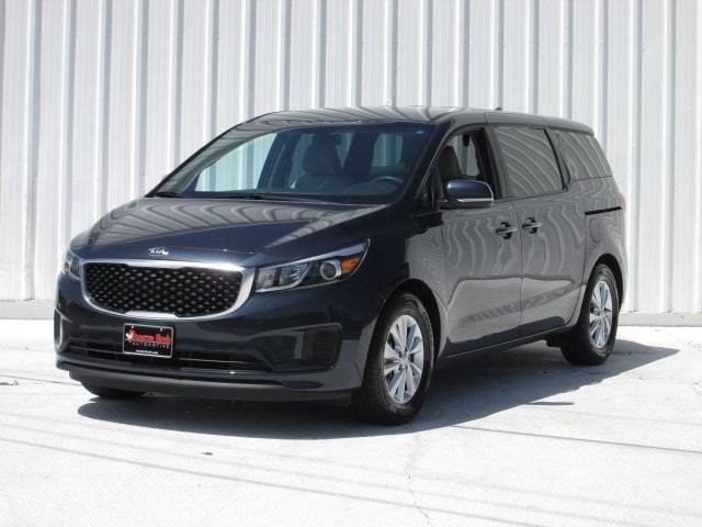 2017 Kia Sedona for sale at Rooster Bush Automotive in Lenoir NC