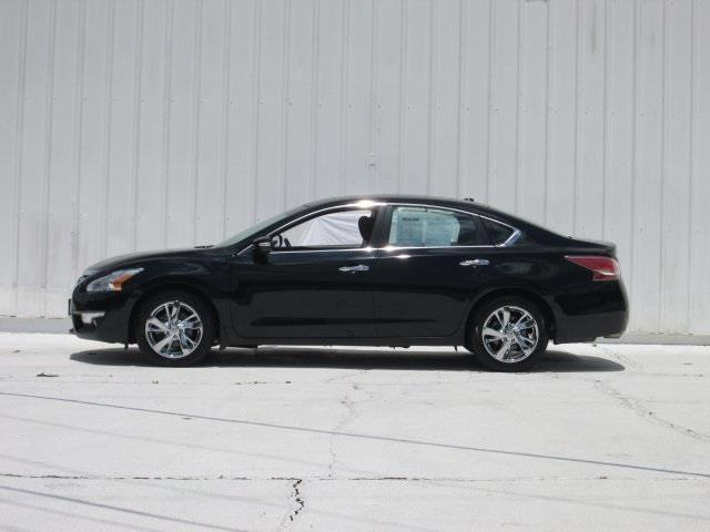 2014 Nissan Altima for sale at Rooster Bush Automotive in Lenoir NC
