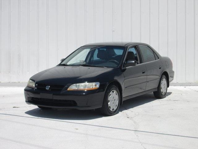 1998 Honda Accord for sale at Rooster Bush Automotive in Lenoir NC