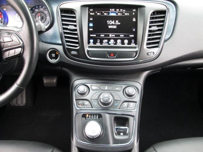2015 Chrysler 200 for sale at Rooster Bush Automotive in Lenoir NC