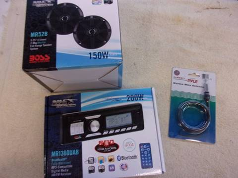 BOSS Marine Stereo Stereo, Speakers and antenna for sale in Acme, PA