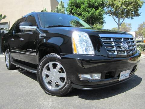 2009 Cadillac Escalade EXT for sale at ORANGE COUNTY AUTO WHOLESALE in Irvine CA