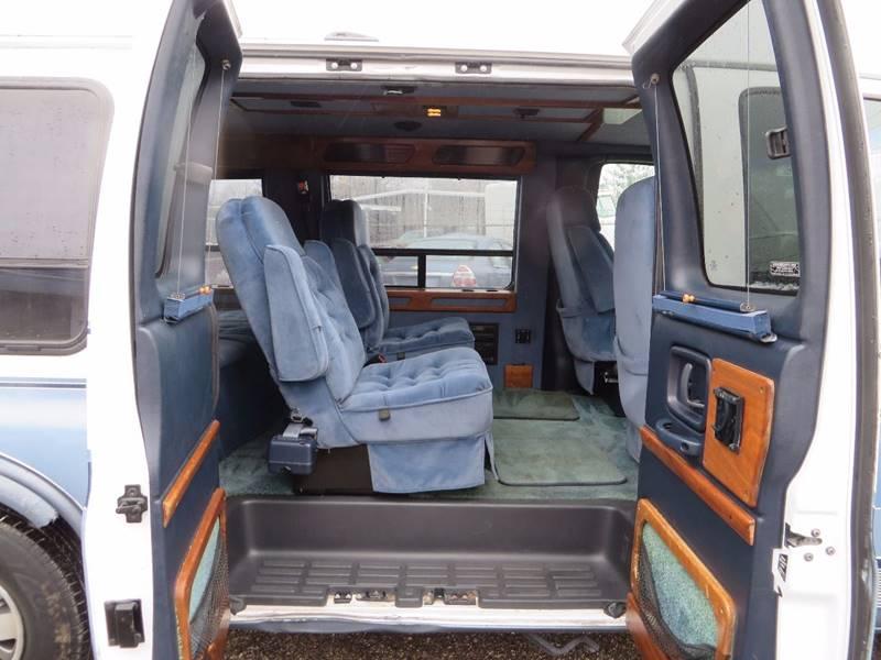 1997 GMC Savana Passenger 3dr G1500 SLE Passenger Van - Grand Rapids MI
