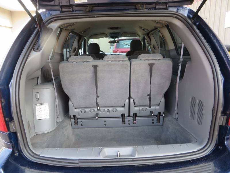 2006 Chrysler Town and Country Touring 4dr Extended Mini-Van - Grand Rapids MI