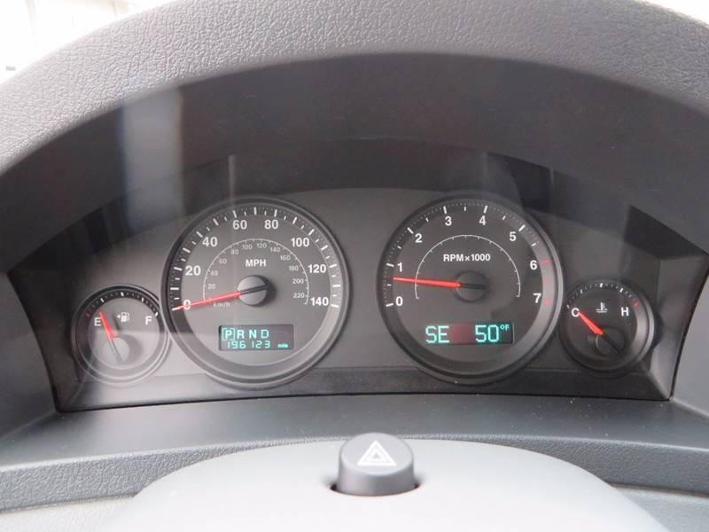 2005 Jeep Grand Cherokee 4dr Laredo 4WD SUV - Grand Rapids MI