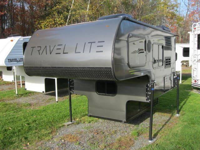 2018 Travel Lite 690FDSL