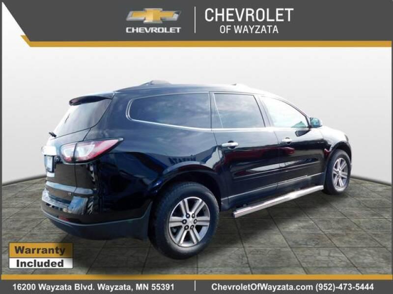 2017 Chevrolet Traverse LT (image 3)