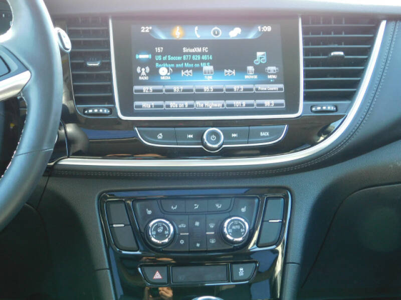 2017 Buick Encore Essence (image 9)